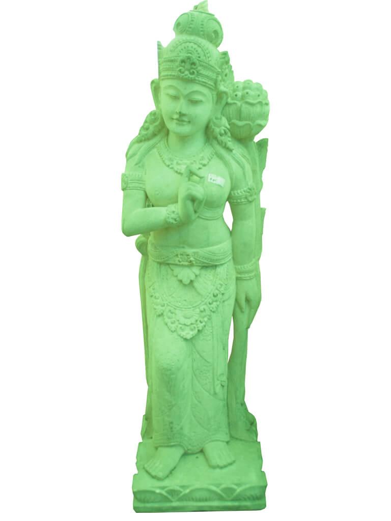 Статуя богини из бетона - фото